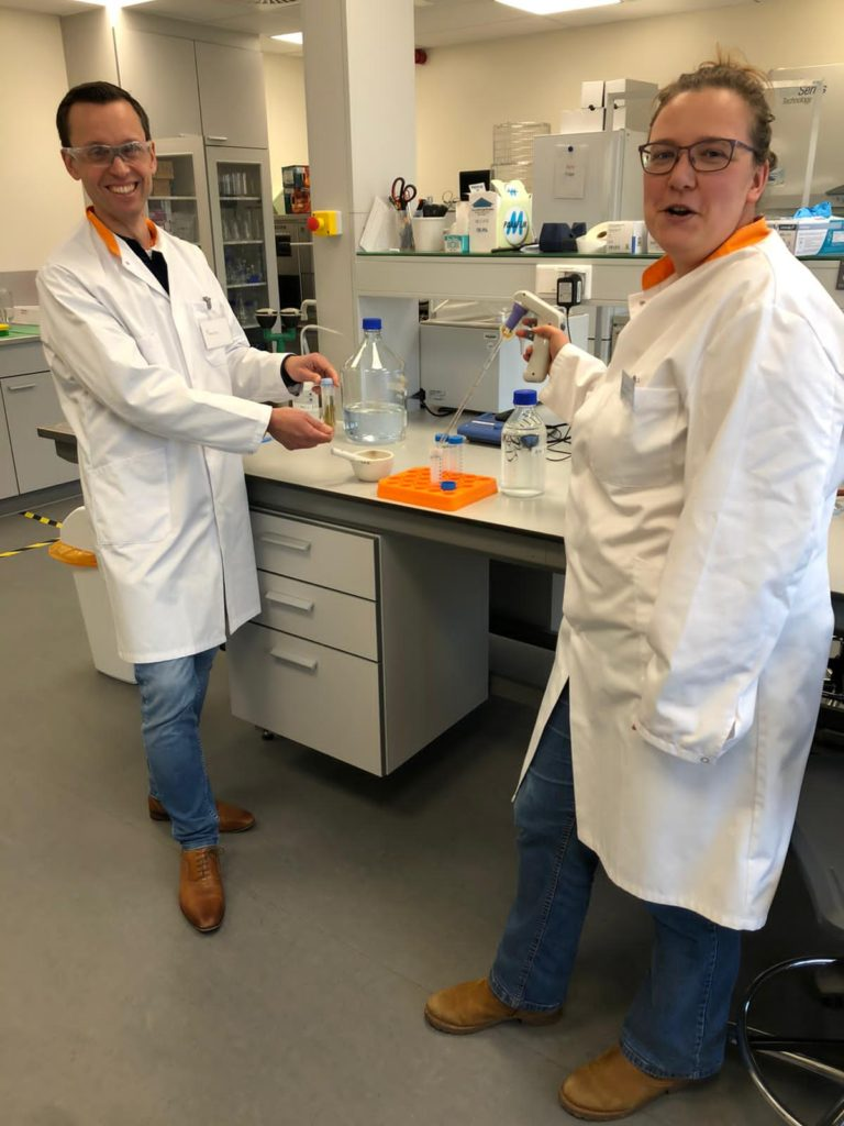 Maarten Morsink (left)- Lecturer/PhD researcher in molecular biology Leiden Centre for Applied Bioscience